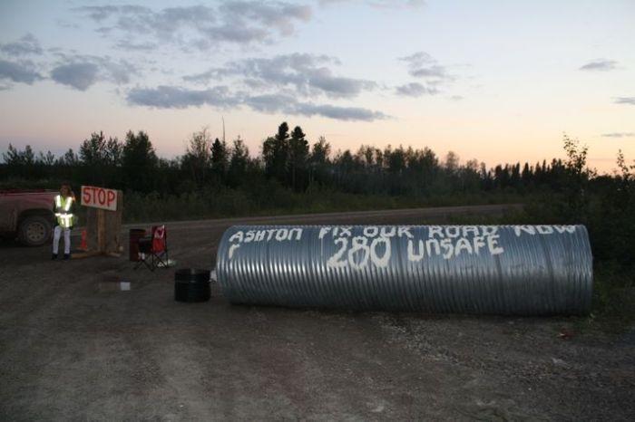 PR 280 Roadblock at Tataskweyak Cree Nation/Facebook