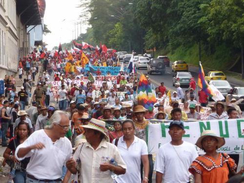 Marcha_indigena_en_Panama_full